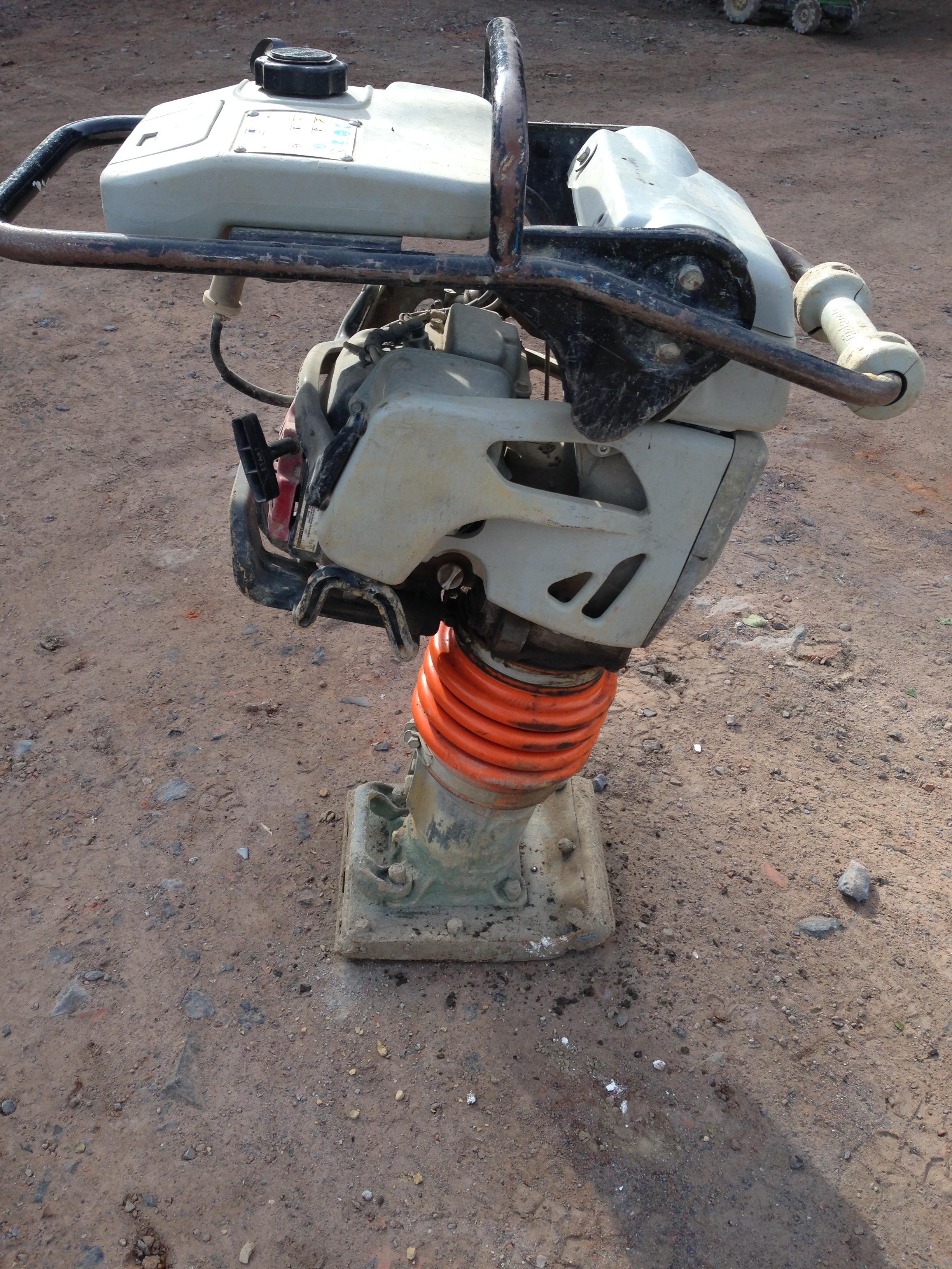 Pilonneuse Honda GX 100
